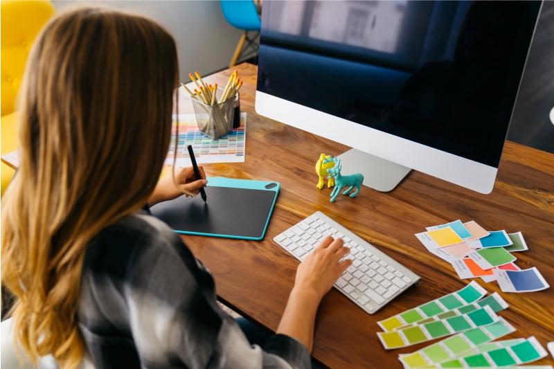 グラフィックデザインを無料オンラインで学ぶ方法